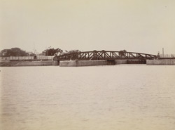 Calcutta Docks - Swing Bridge at entrances 4625